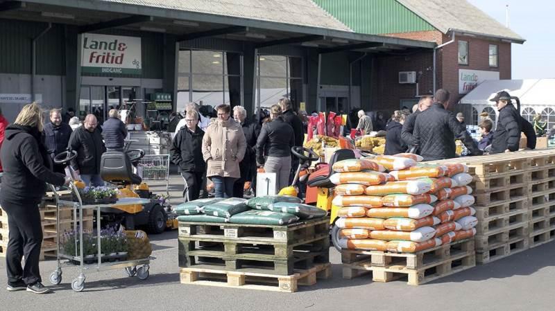 Forårsdagen i DLG's Land & Fritid-butik i Bårse blev som altid et stort tilløbsstykke.
