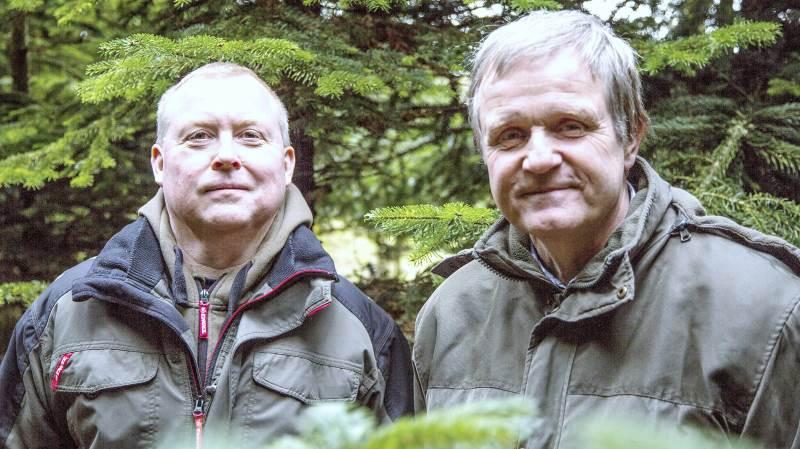 Formanden for Østlige Øers Plantelaug, Christian Christiansen (til venstre), og landskabskonsulent Thomas Møller fra Vanas ApS. Foto: Niels Okking