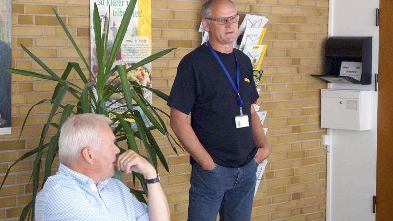 Agronom og konsulent hos Ardo A/S, Karsten Andersen, fortæller, at årets ærtehøst er stærkt uregelmæssig. Siddende næstformand i Landbrug & Fødevarer Lars Hvidtfeldt.