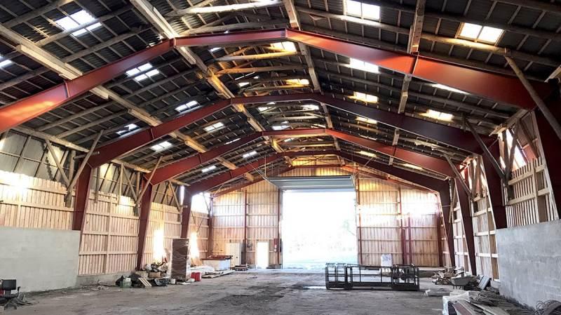 Et af de nyeste projekter har været at fjerne bærende søjler i en kornlade på Mineslund ved Kalundborg – og erstatte dem med stålspær.