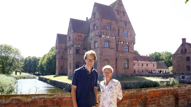 Joachim Castenschiold og Vibe Castenschiold er klar til at byde til anderledes høstfest på Borreby Gods og Herreborg: Á la Morten Korch.