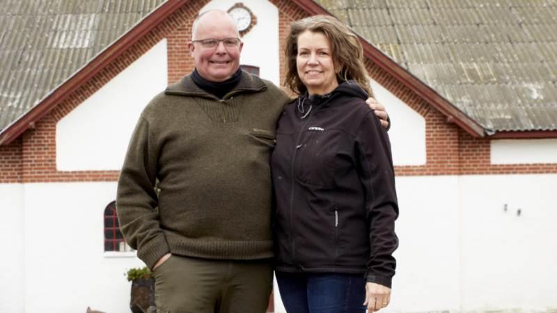 Velkommen hos Teri Damgaard og Niels Andersen Fredag den 26. oktober Bredkærvej 54, 9760 Vrå  Lægger jord til NM og DM i stubjord samt skolepløjning.