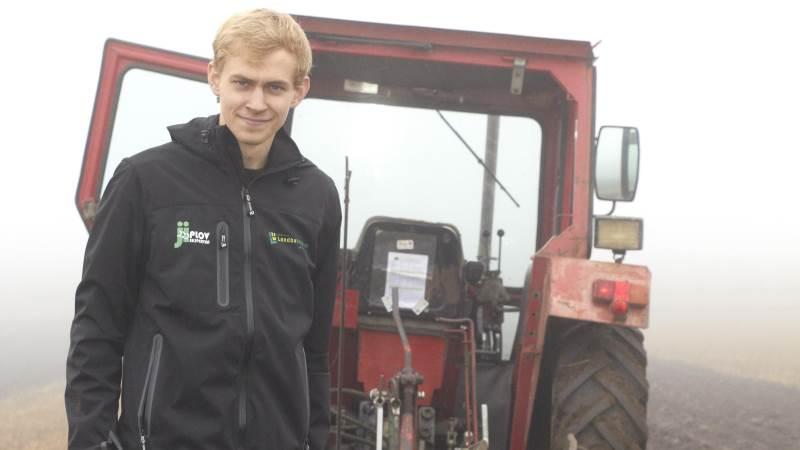 Magnus Jensby Krejberg er kvalificeret til både DM og NM i pløjning.