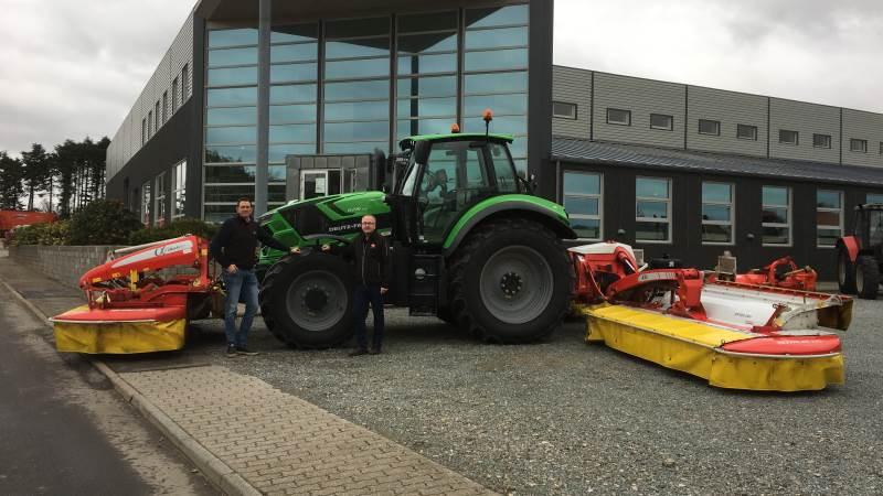 Erling Schmidt (th), CN Maskinfabrik A/S og Lars Andreasen, Pöttinger Danmark ser frem til samarbejdet i det syd- og sønderjyske.