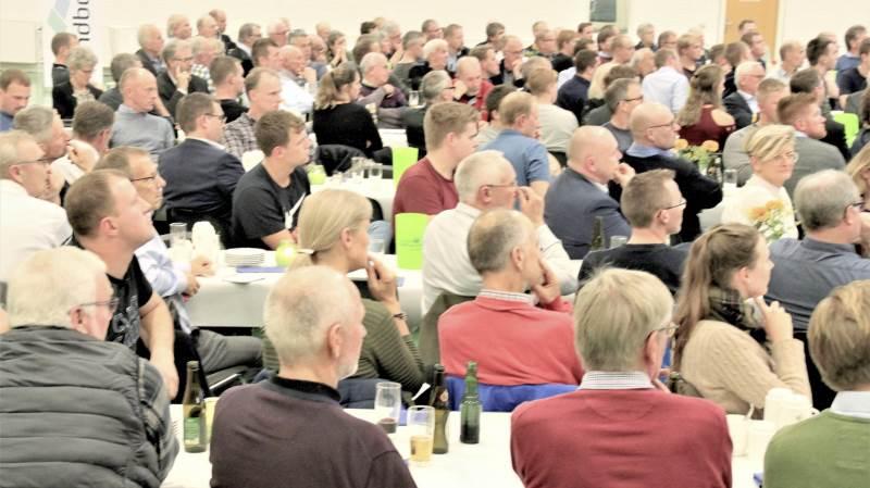 Mange var mødt op til mødet, der blev holdt af LandboSyd på Gråsten Landbrugsskole.