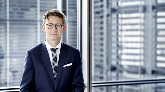 Dansk Skovforenings foreslåede ordning vil reelt give en skattefri opsparingsadgang, mener skatteminister Karsten Lauritzen (V).