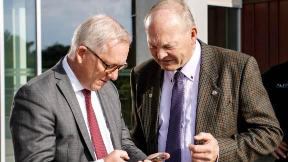 Fra et tidligere retsmøde i sagen ses her tv advokat Håkun Djurhuus, Landbrug & Fødevarer, og Flemming Fuglede Jørgensen, formand for Bæredygtigt Landbrug. Arkivfoto: Flemming Erhard.
