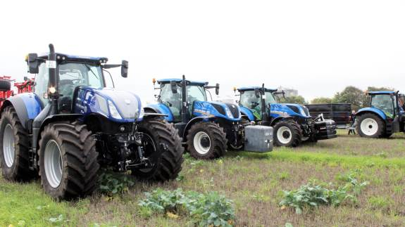 New Hollands traktorprogram var rigt repræsenteret i forbindelse med markdemonstrationsdagen ved Toftlund. Fotos: John Ankersen