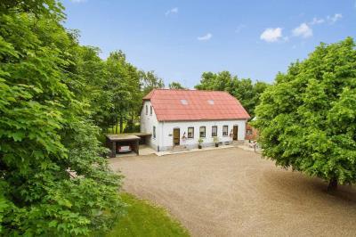 En gård ved Skovlund med 15,7 ha