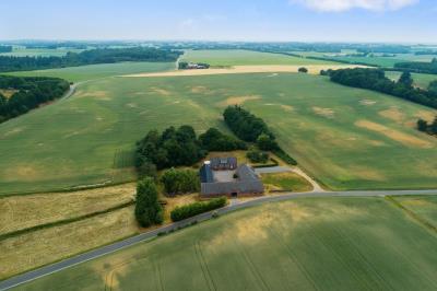 Landbrug med 24 hektar skøn natur.