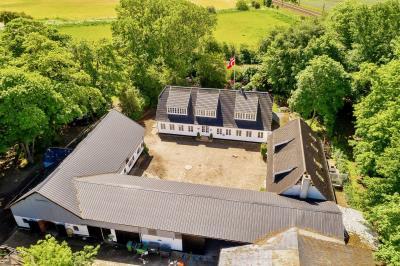 Hesteejendom beliggende syd for Vojens