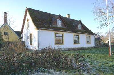 Spændende ejendom på Omø - med mange muligheder!